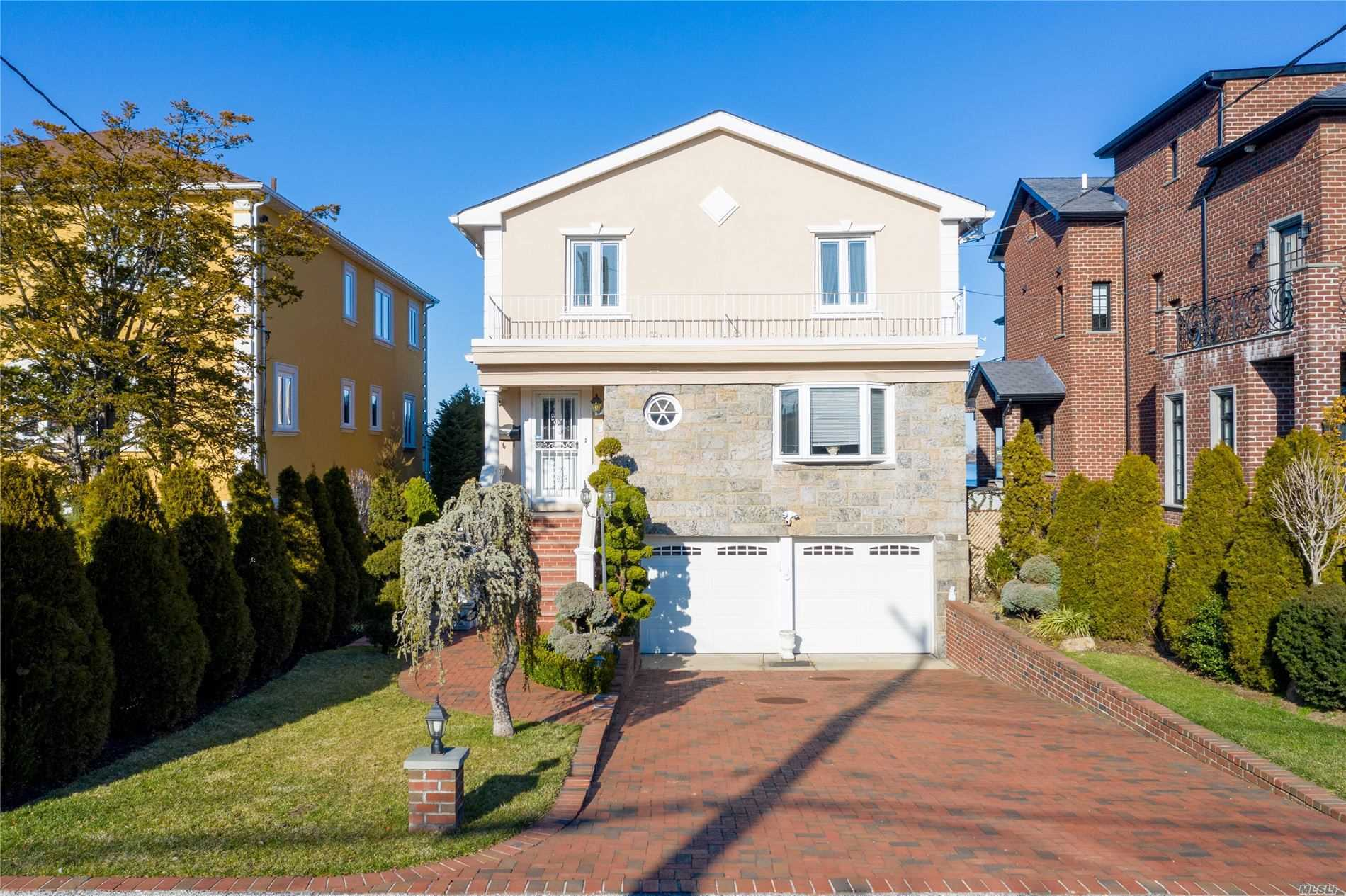 Residential For Sale in 149-57 Powells Cove Boulevard, Whitestone, NY ,11357
