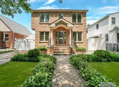 Residential For Sale in 263-15 83rd Ave, Floral Park, NY ,11004