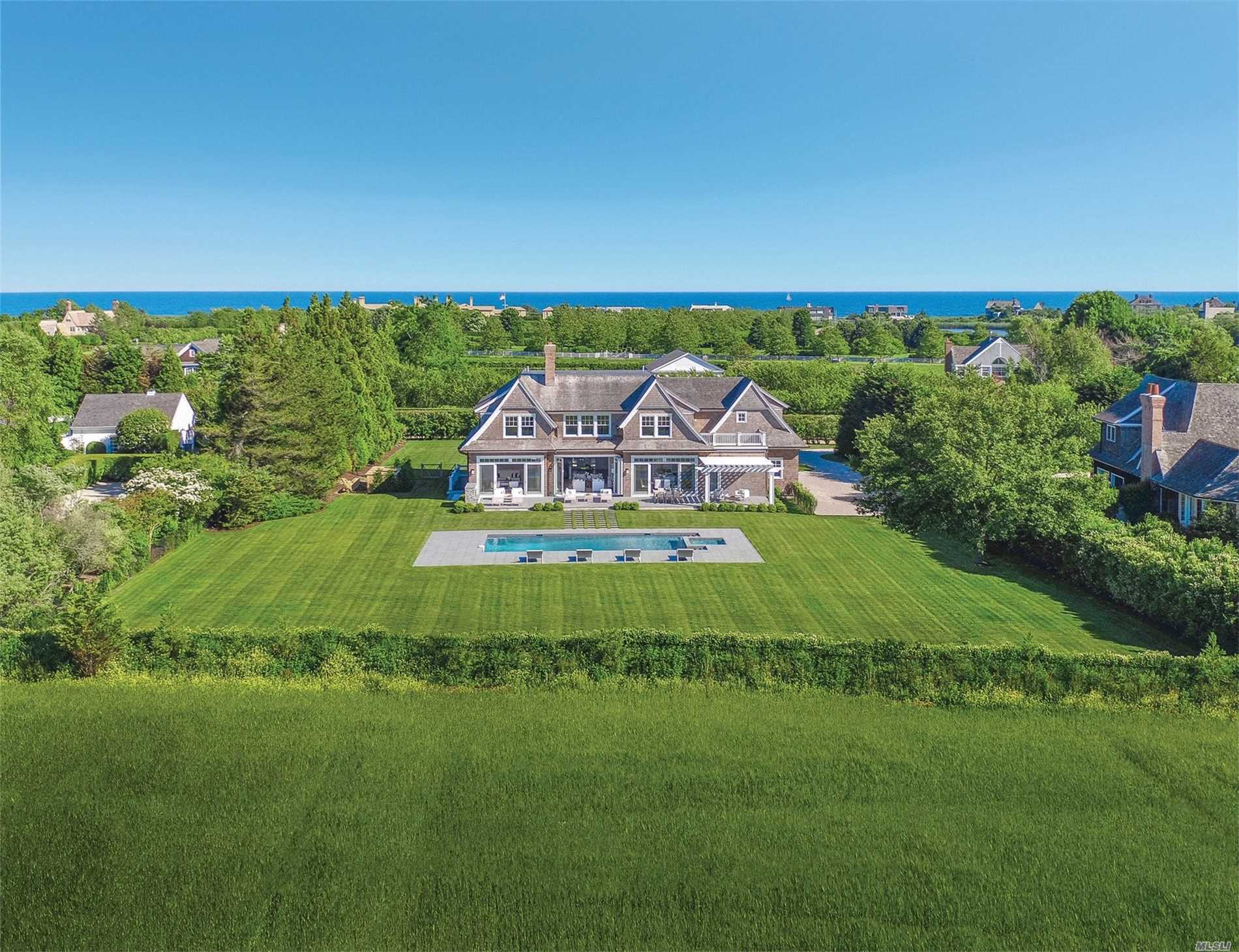 Residential For Sale in 46 Masefield Close, Sagaponack, NY ,11962
