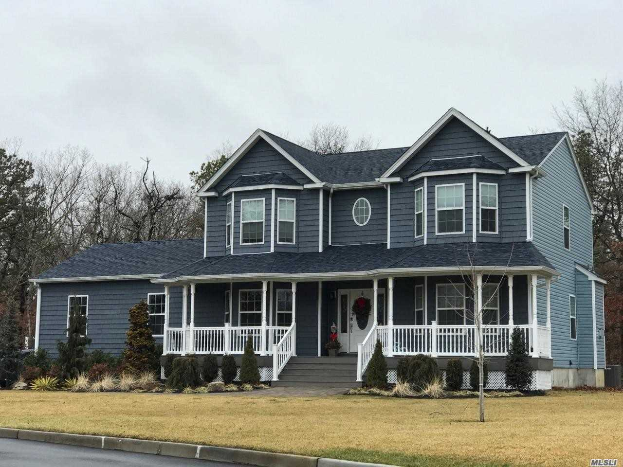 Residential For Sale in 27 Woodbine Ave, Stony Brook, NY ,11790
