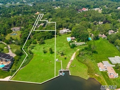 Residential For Sale in 553 Main St, Westhampton Bch, NY ,11978