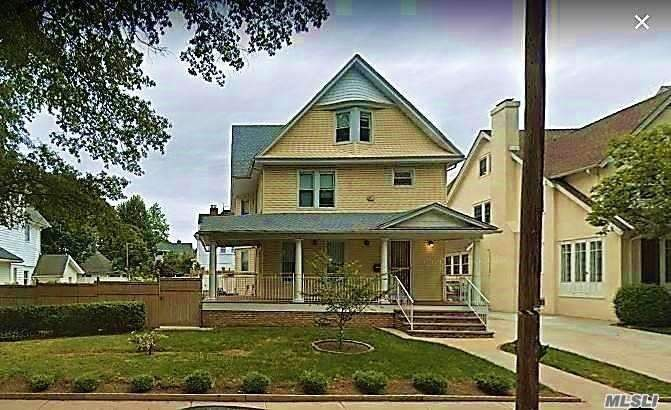 Residential For Sale in 84-24 113th St, Richmond Hill, NY ,11418