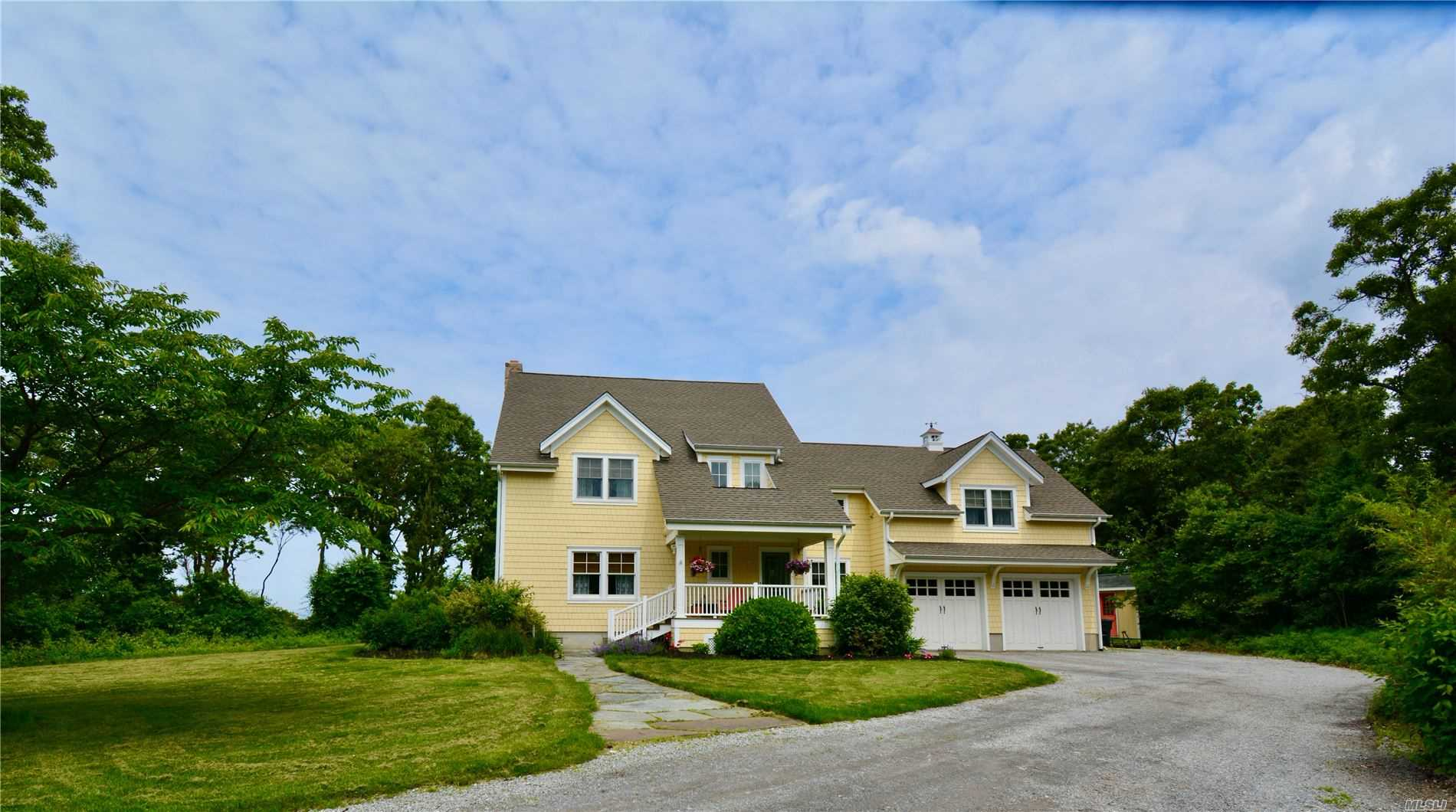Residential For Sale in 584 Long Beach Road E, Nissequogue, NY ,11780