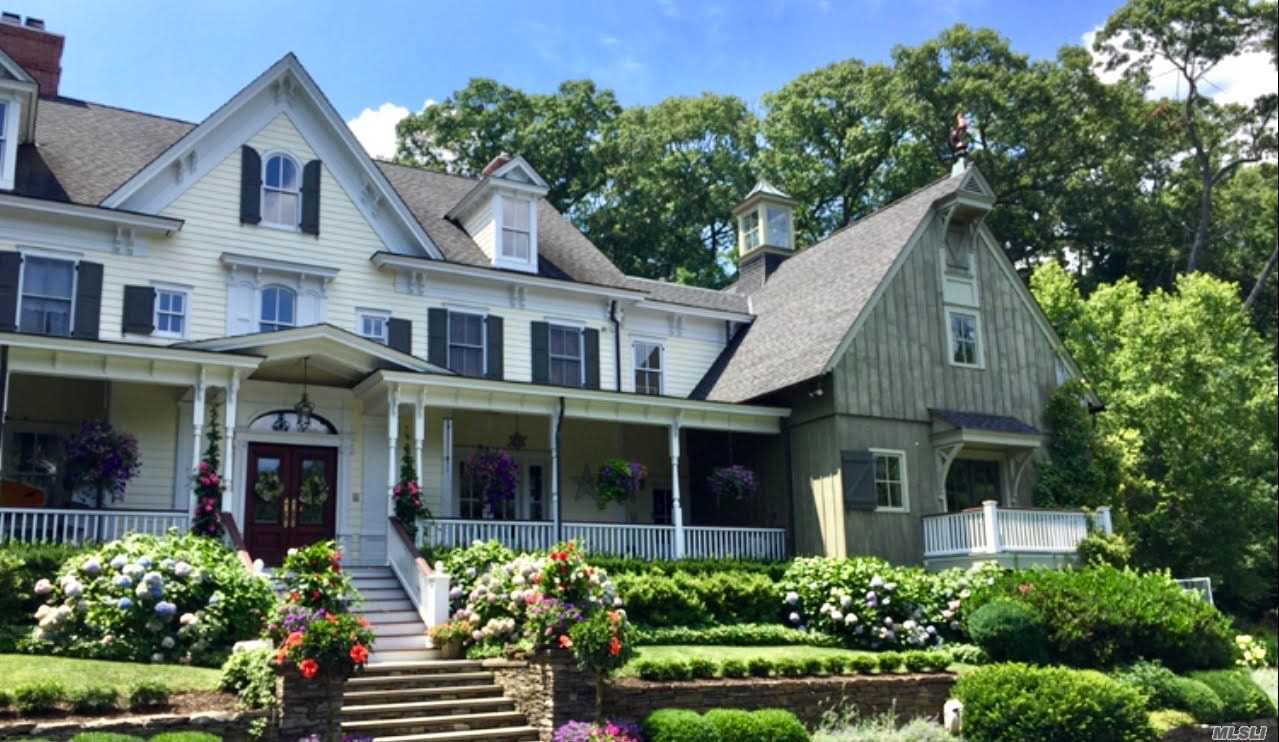 Residential For Sale in 100 Turkey Ln, Cold Spring Hrbr, NY ,11724