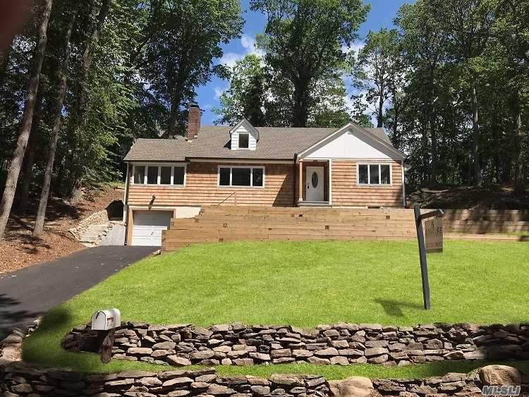 Residential For Sale in 7 Westfield Dr, Centerport, NY ,11721