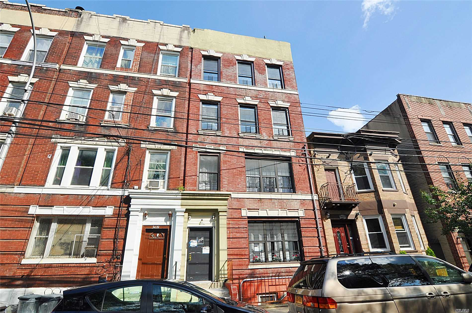 Residential For Rent in 34-21 9th St, Long Island City, NY ,11106