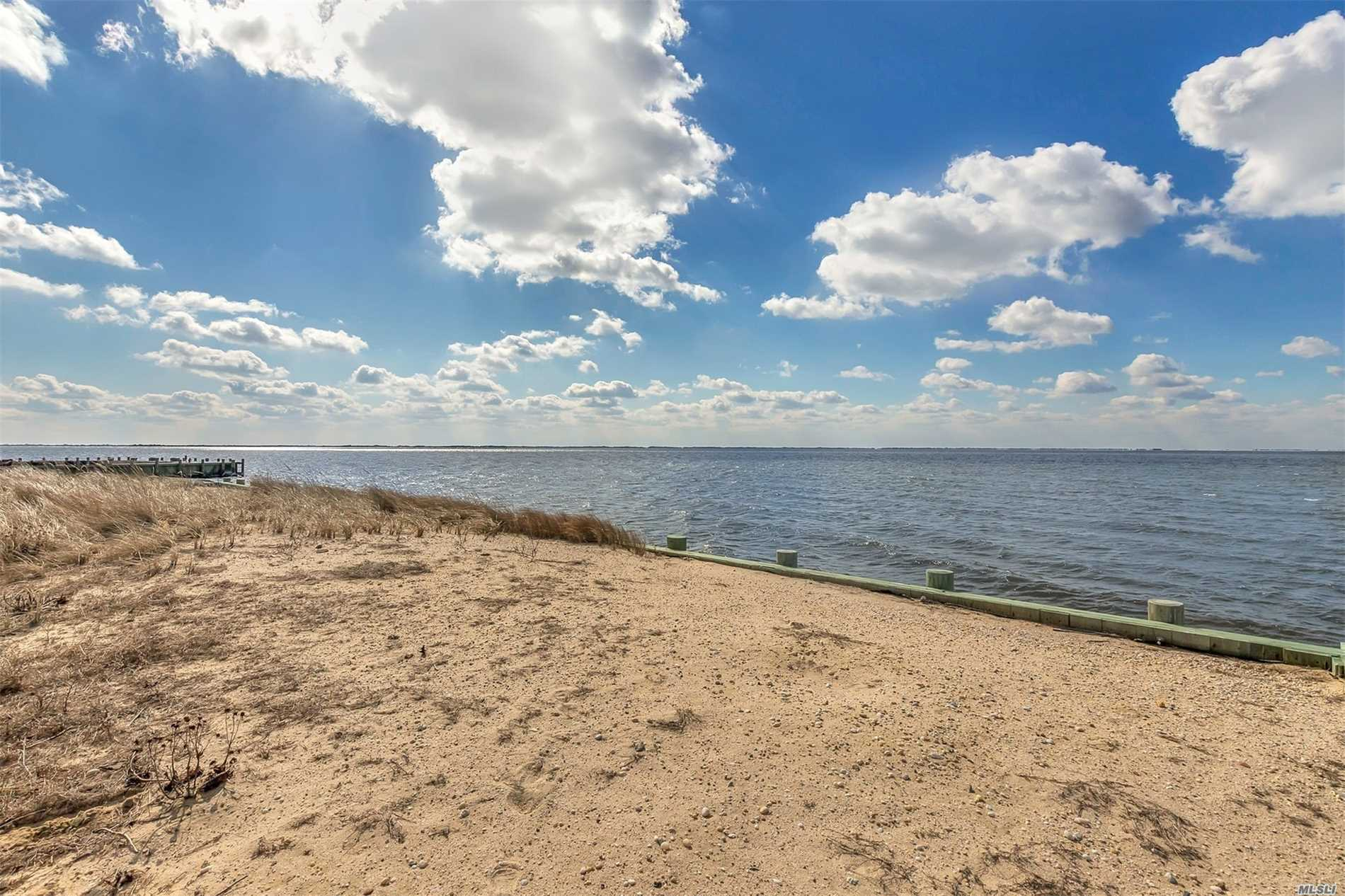 Residential For Sale in 6 Shore Rd, E. Patchogue, NY ,11772
