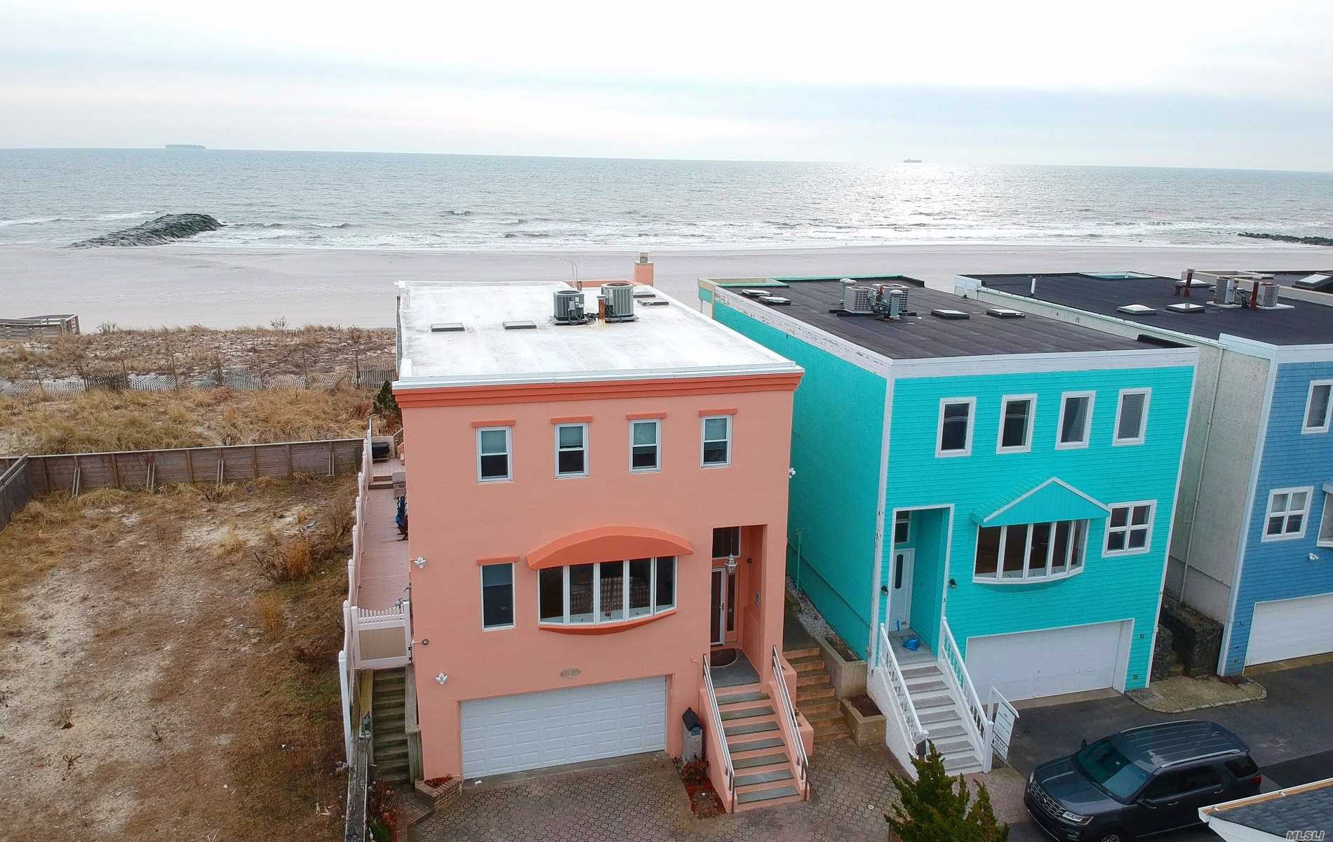 Residential For Sale in 4 Oceanview Court, Long Beach, NY ,11561