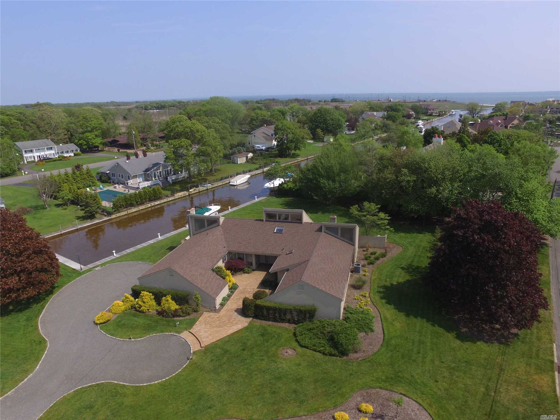 Residential For Sale in 51 The Helm, East Islip, NY ,11730