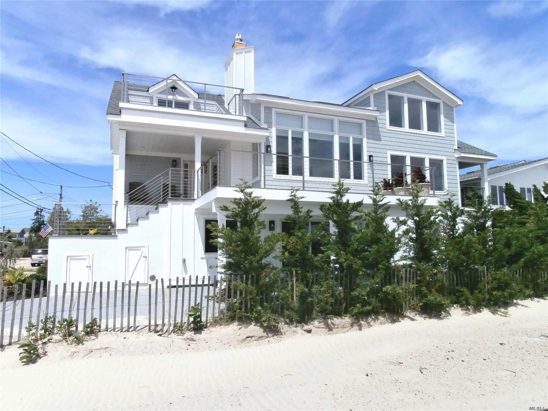 Residential For Sale in 136 Lynbrook Ave, Point Lookout, NY ,11569