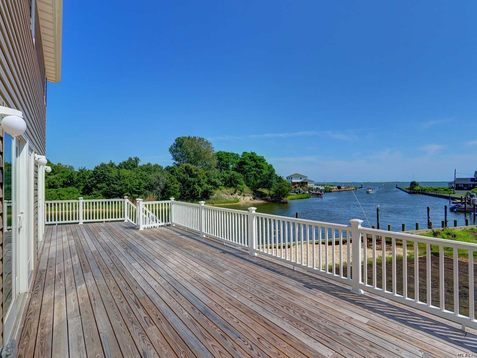Residential For Sale in 10 Seabreeze Pl, Center Moriches, NY ,11934