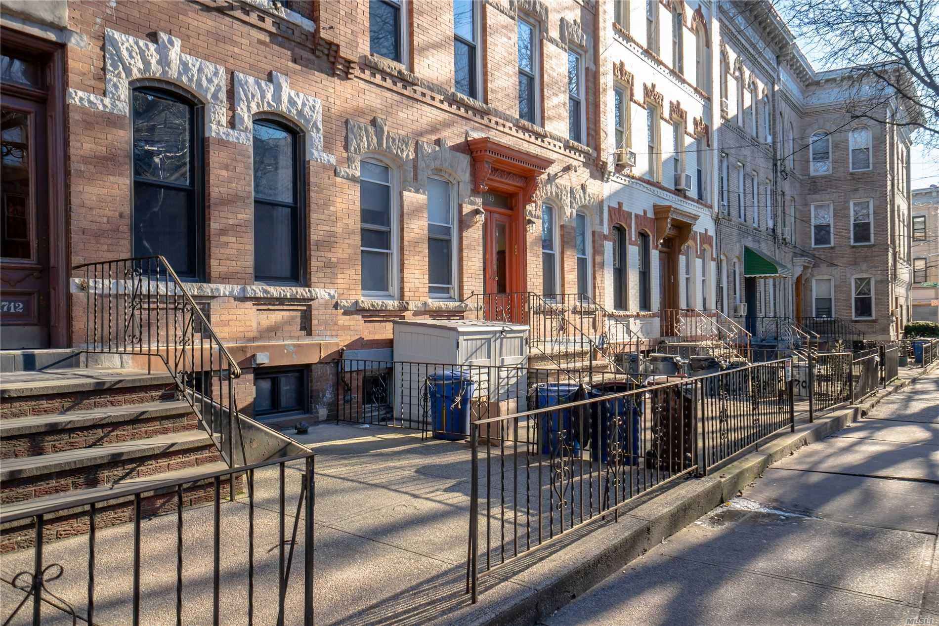Residential For Sale in 1706 Himrod St, Ridgewood, NY ,11385