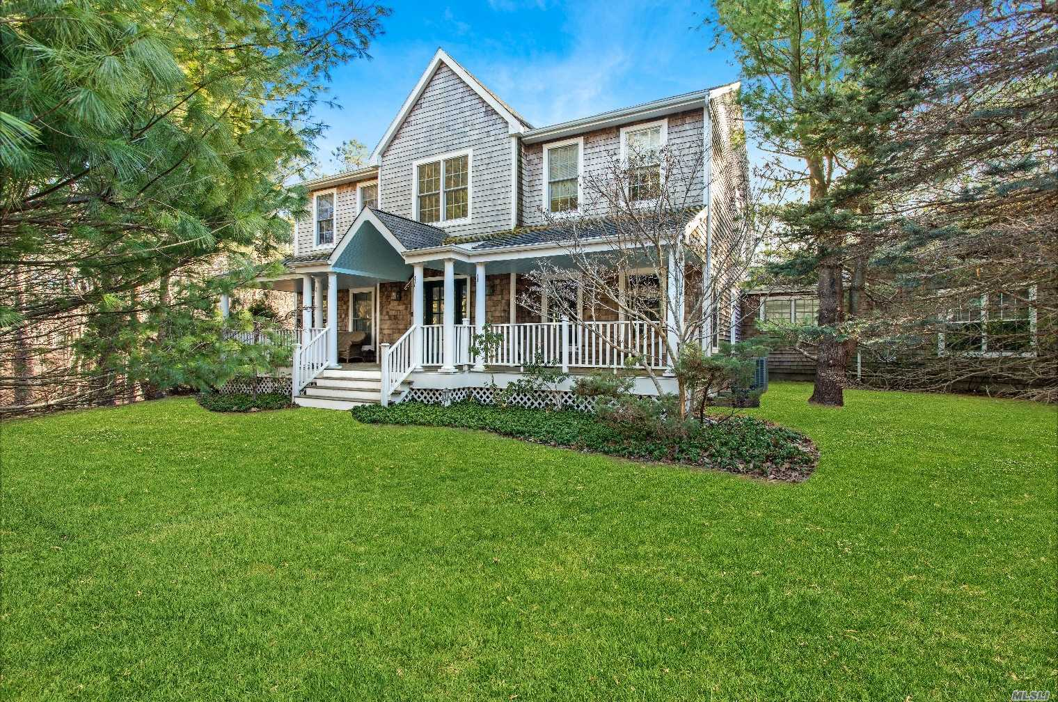 Residential For Sale in 24 Marion Ln, East Hampton, NY ,11937