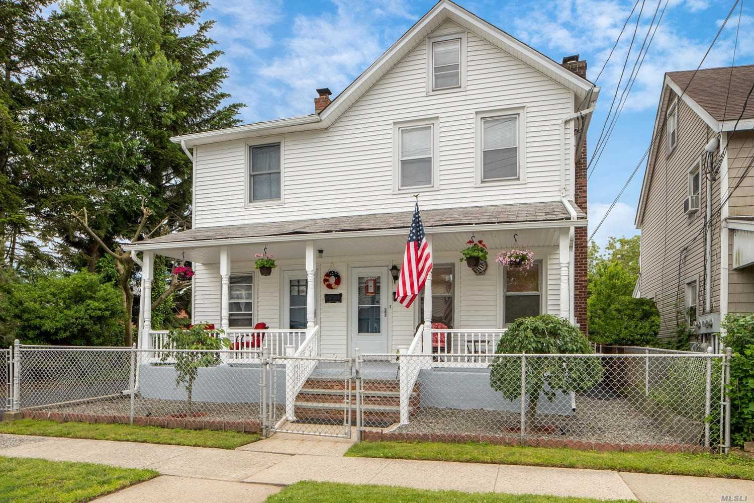 Residential For Sale in 12 Chestnut St, Greenvale, NY ,11548