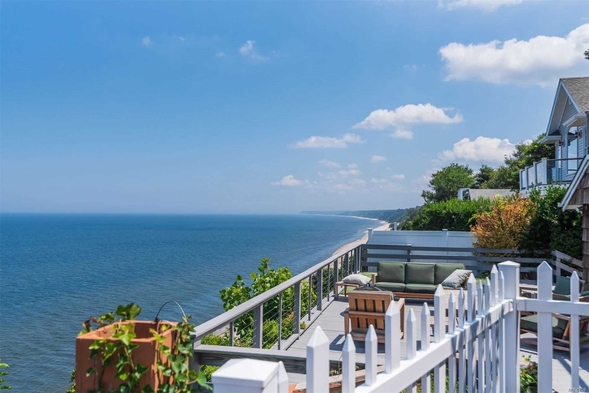 Residential For Sale in 61 Culross Dr, Rocky Point, NY ,11778