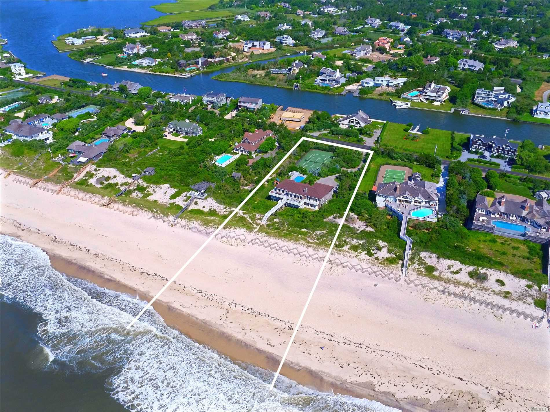 Residential For Sale in 46 Dune Road, Quogue, NY ,11959
