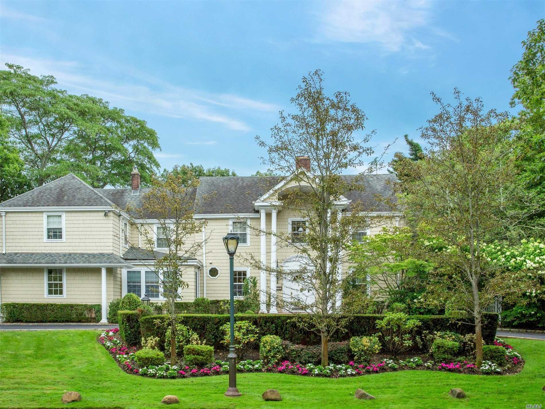 Residential For Sale in , Hewlett Bay Park, NY ,11557