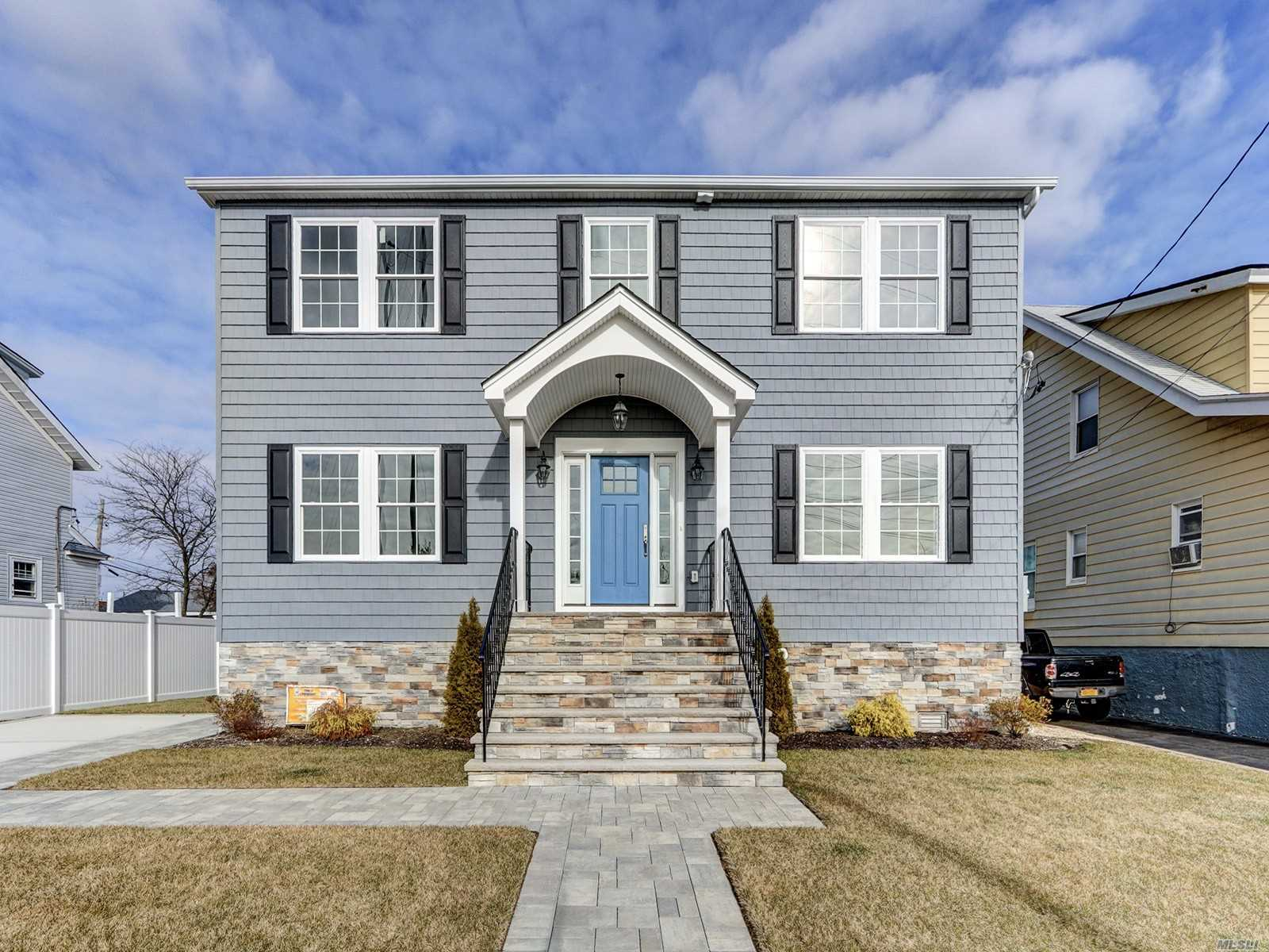 Residential For Sale in 27 Waterfront Blvd, Inwood, NY ,11096