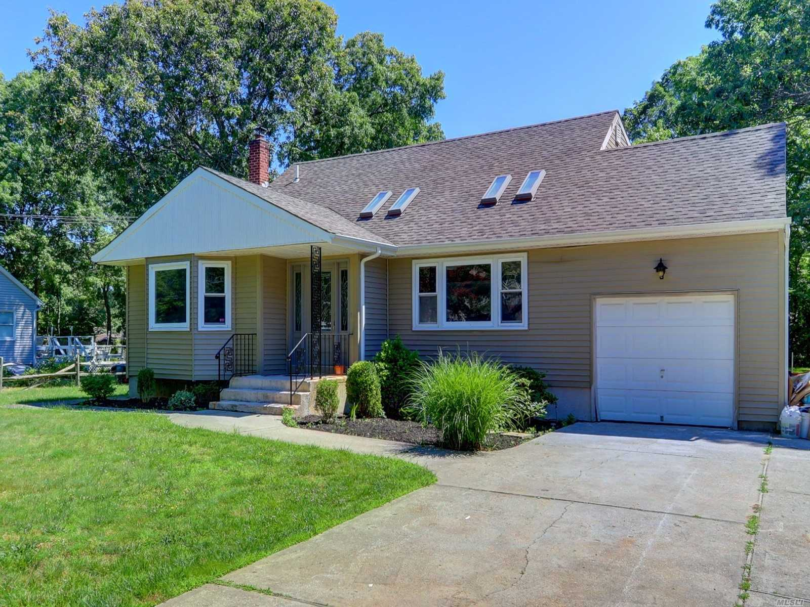 Residential For Sale in 101 Church Dr, Mastic Beach, NY ,11951