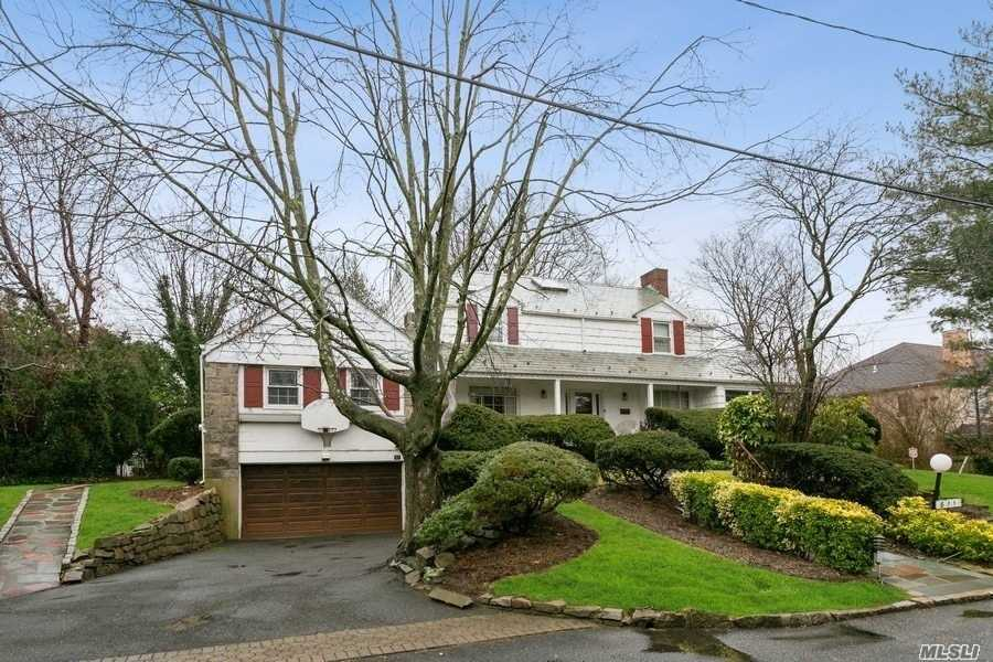 Residential For Sale in 811 Keene Lane, Woodsburgh, NY ,11598