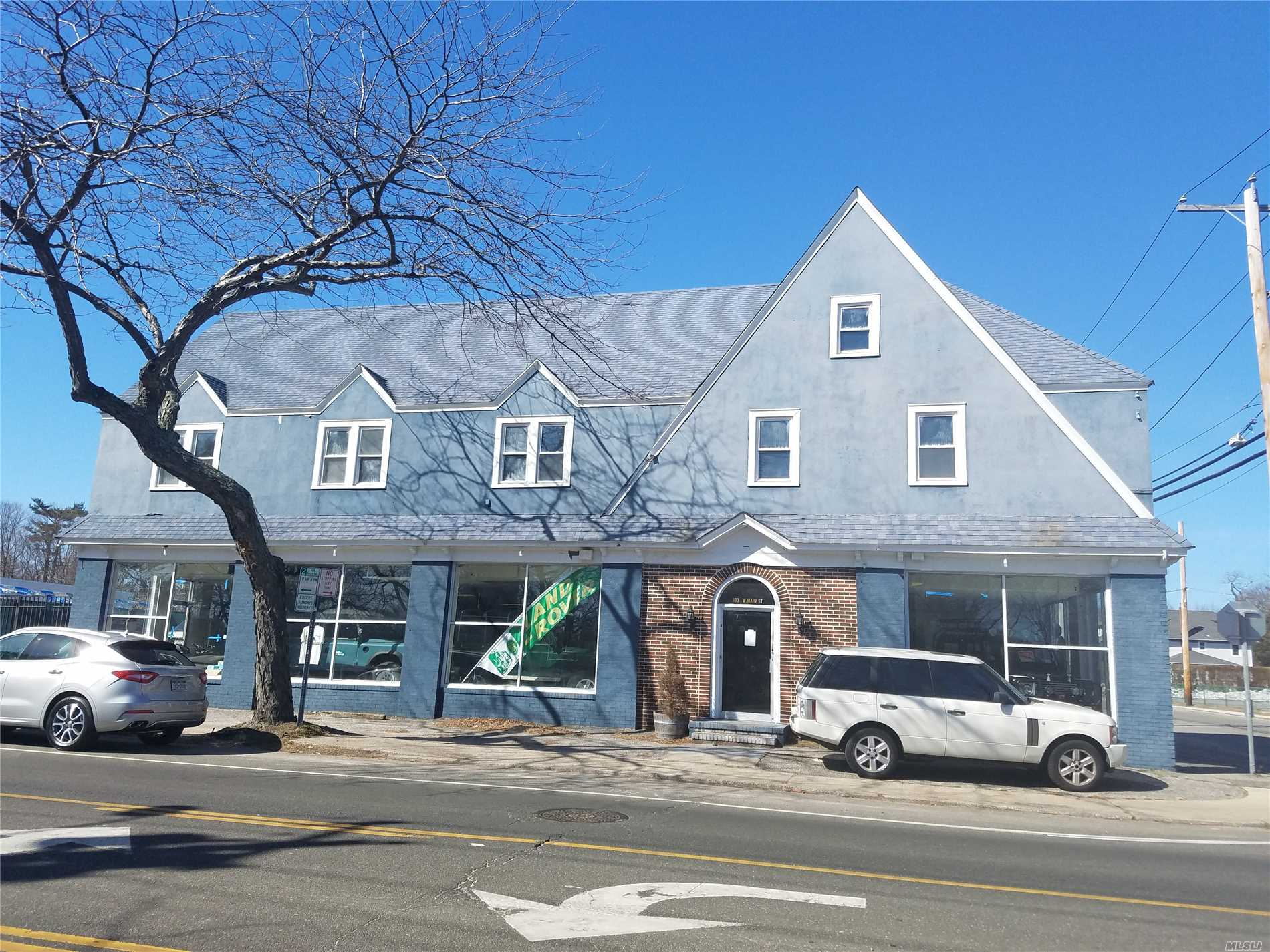 Commercial for sale in 193 W Main St, Bay Shore, NY ,11706