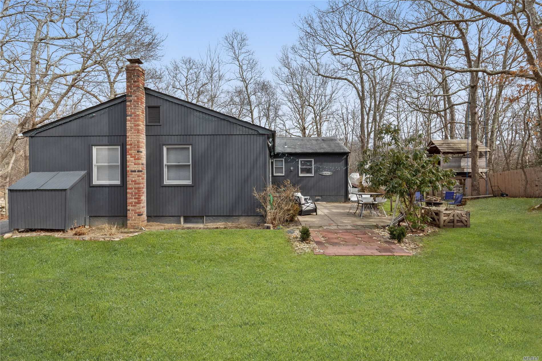 Residential For Sale in 2367 Noyac Rd, Sag Harbor, NY ,11963