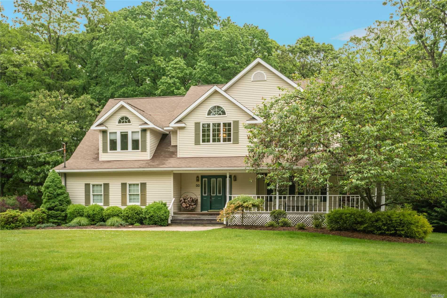 Residential For Sale in 65 Briarcliff Rd, Shoreham, NY ,11786