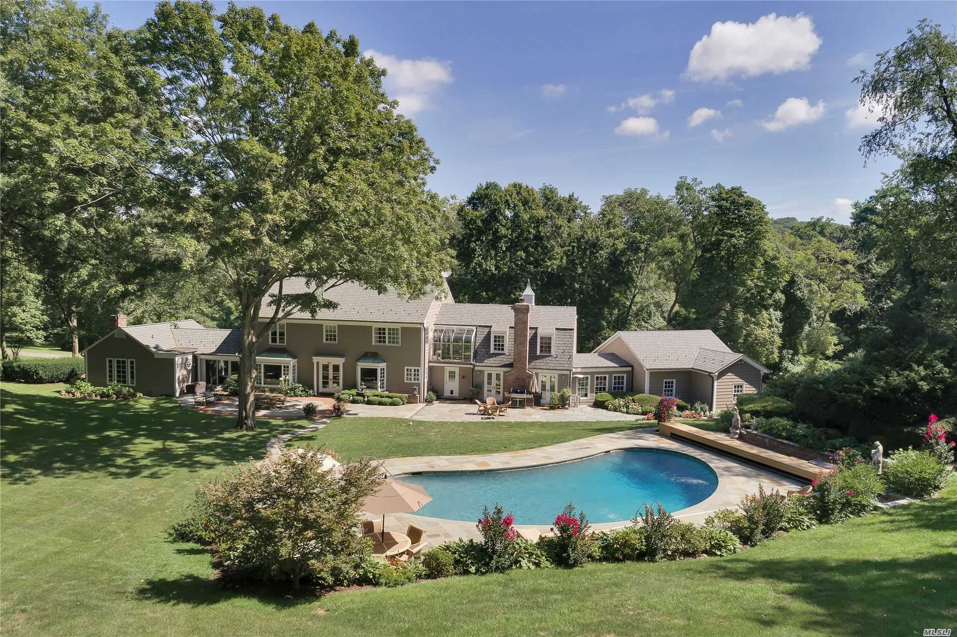 Residential For Sale in 177 Cove Rd, Oyster Bay Cove, NY ,11771