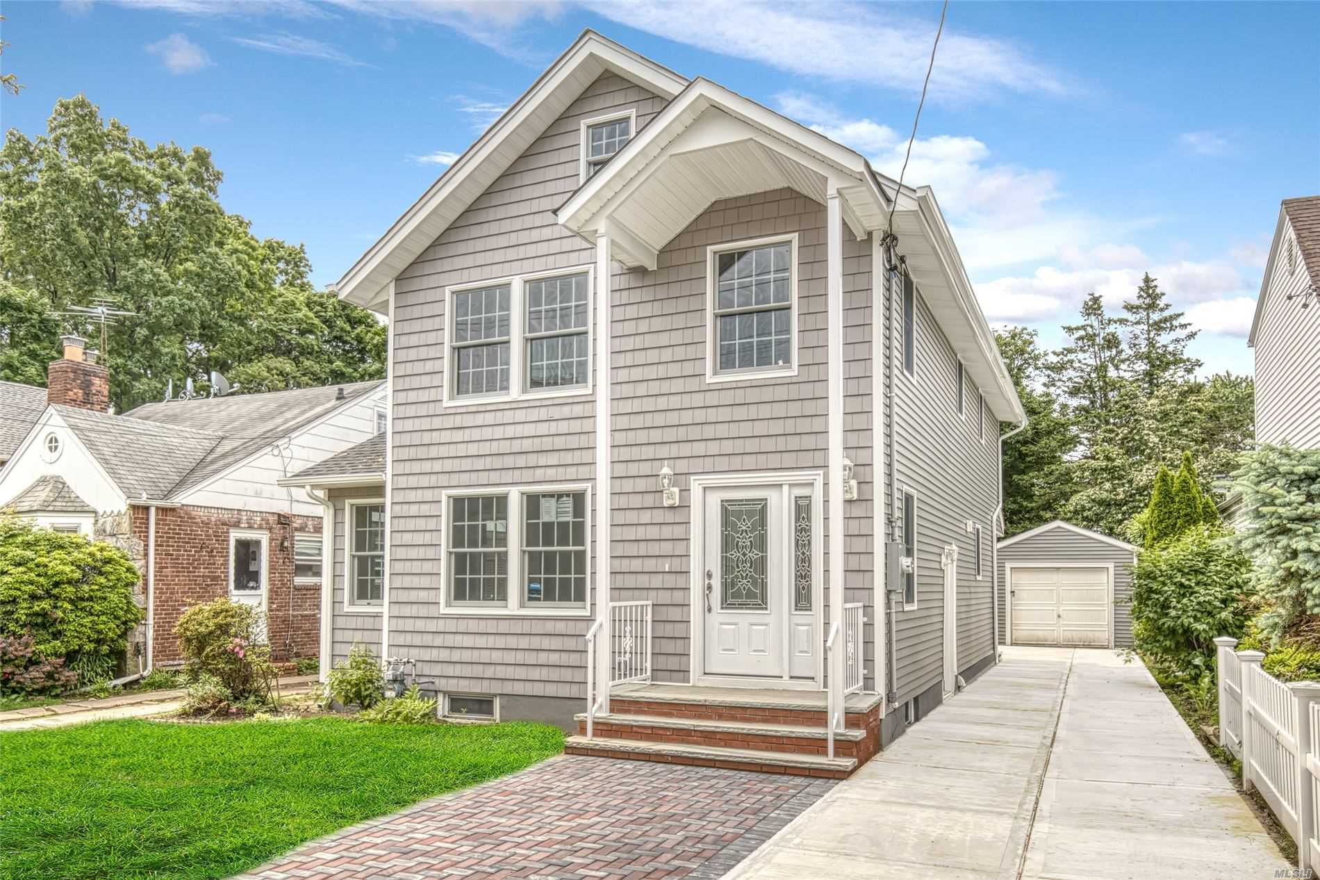 Residential For Sale in 346 Oakford St, W. Hempstead, NY ,11552