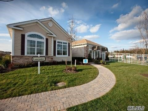 Residential For Sale in 22 Hamlet Woods Dr, St. James, NY ,11780