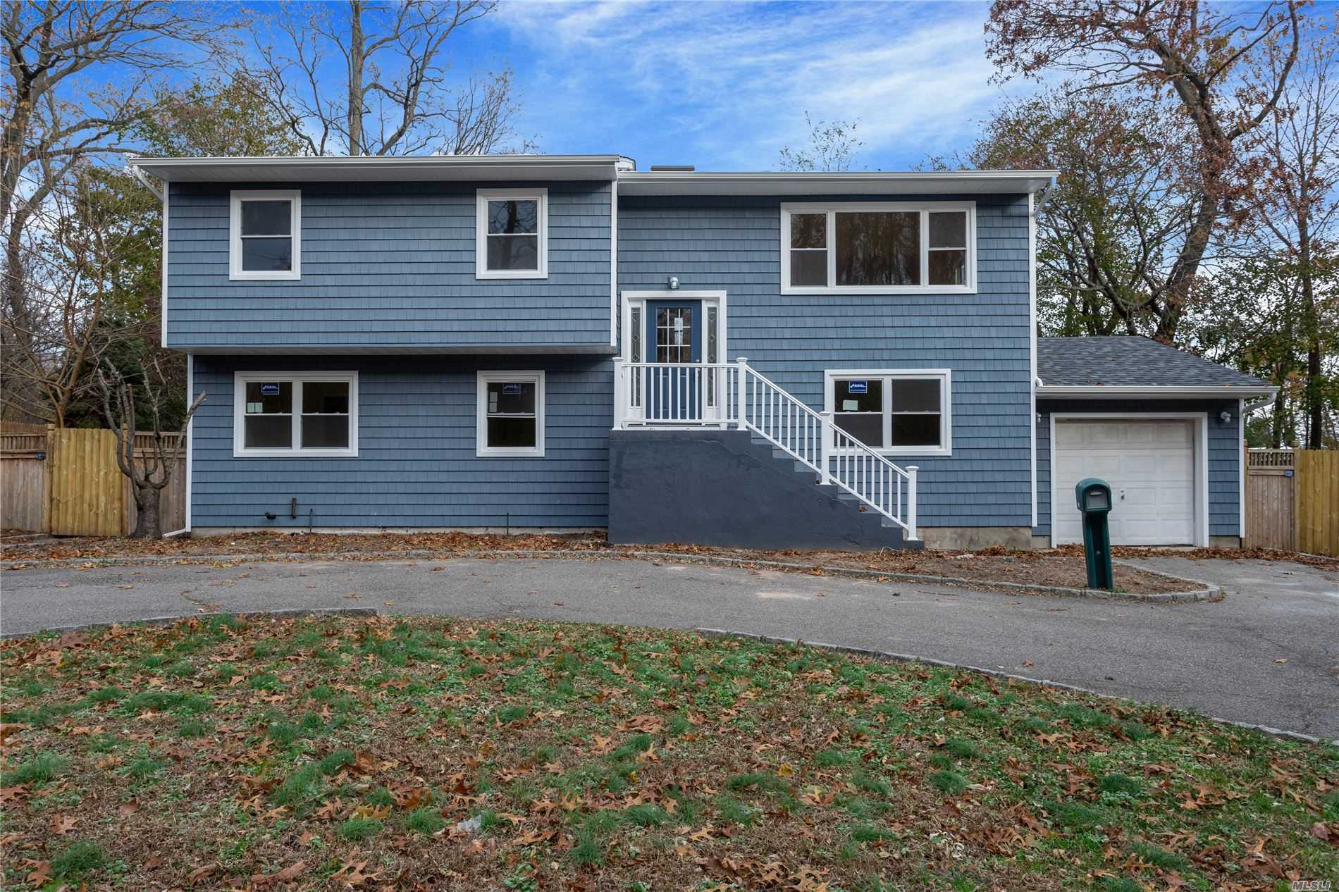 Residential For Sale in 494 Victory Dr, Ronkonkoma, NY ,11779