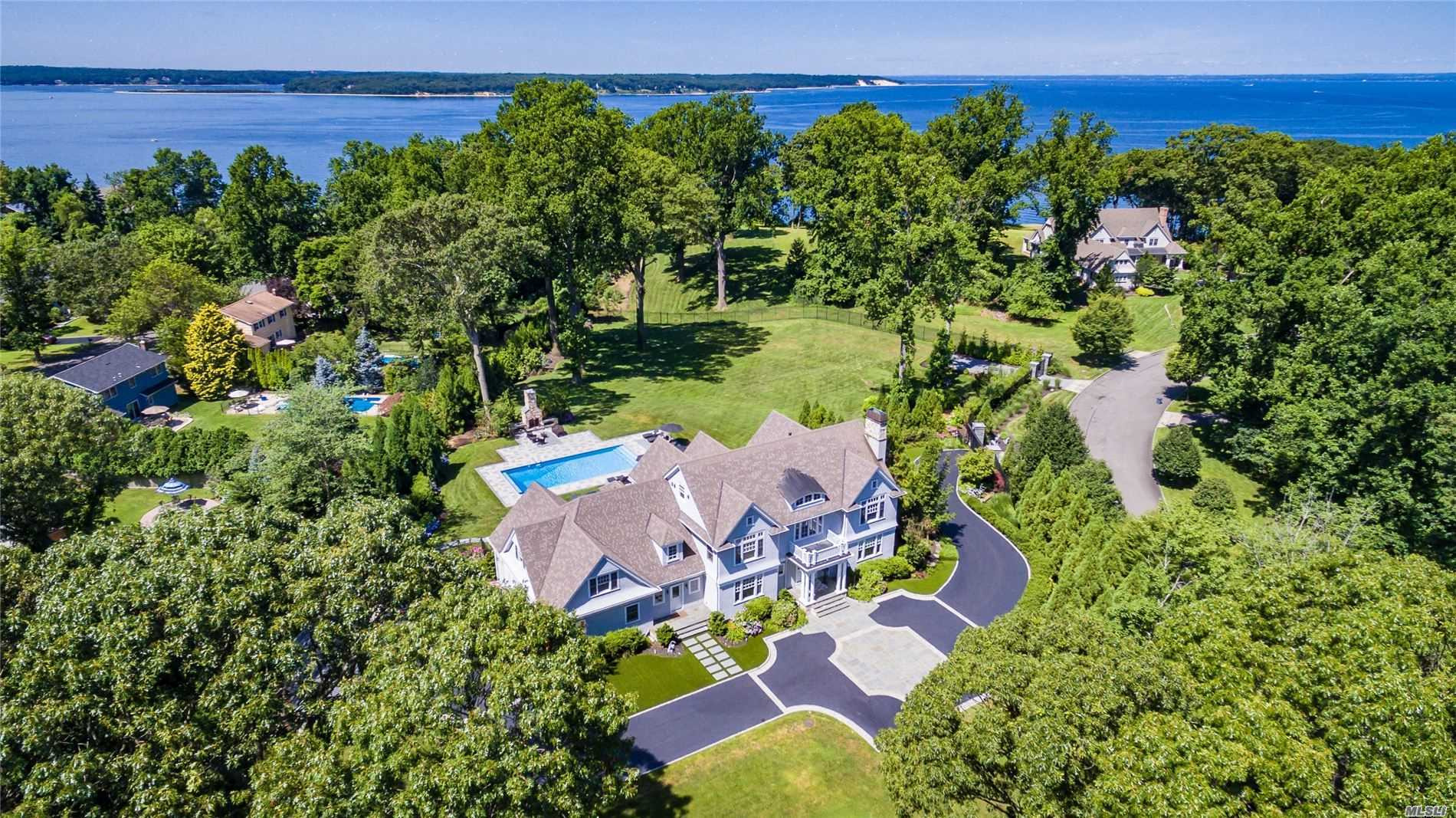 Residential For Sale in 300 Old Orchard Ct, Northport, NY ,11768
