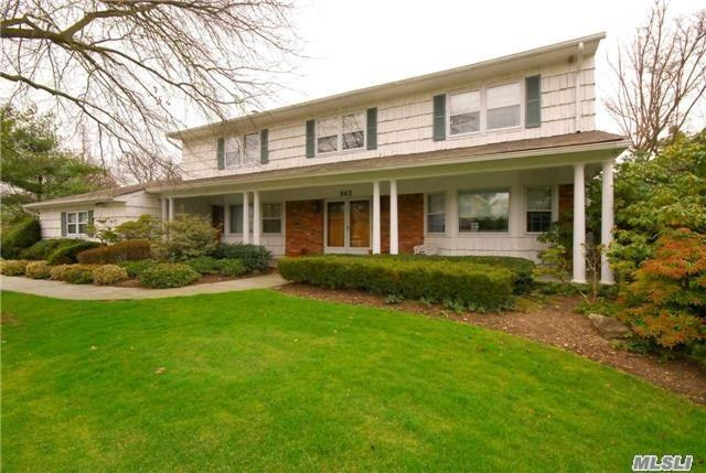 Residential For Sale in 963 Wateredge Pl, Hewlett Harbor, NY ,11557