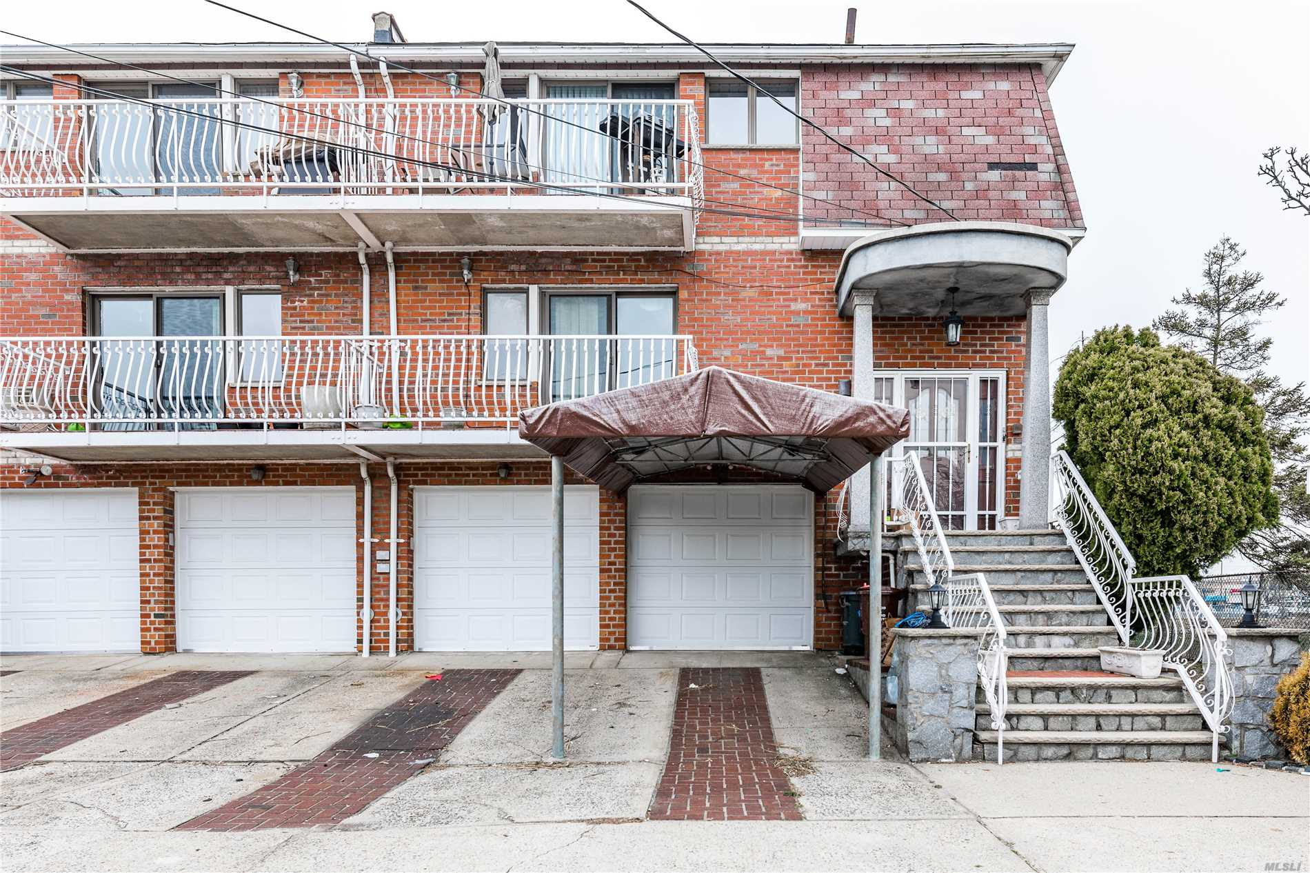 Residential For Sale in 157-50 95th St, Howard Beach, NY ,11414