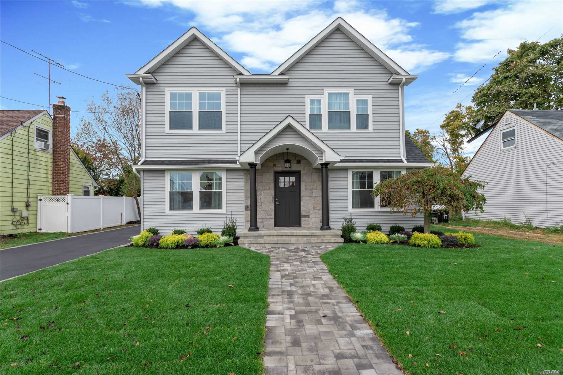 Residential For Sale in 95 Windhorst S Ave, Bethpage, NY ,11714
