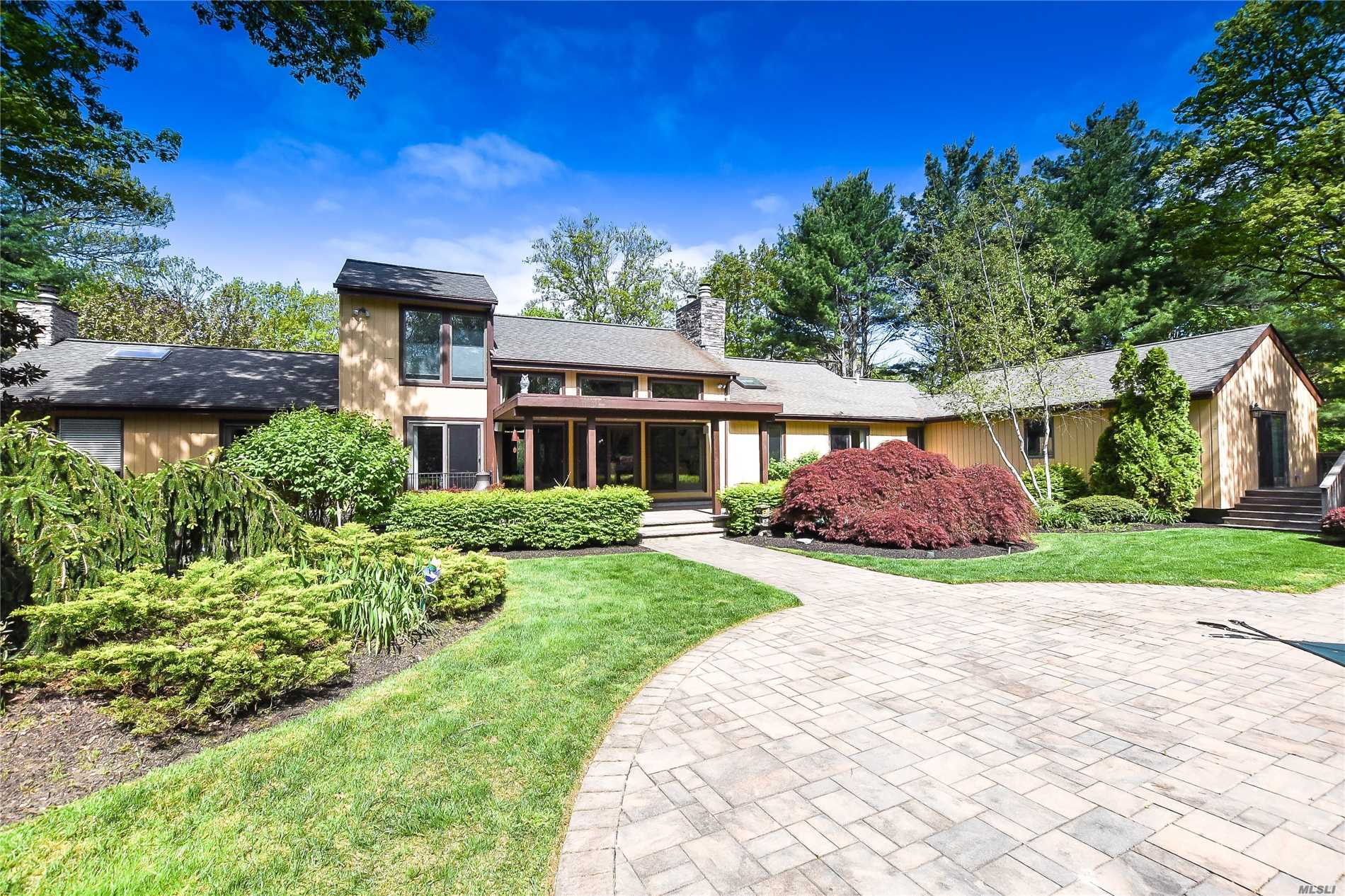 Residential For Sale in 1 Frances Ln, Port Jefferson, NY ,11777