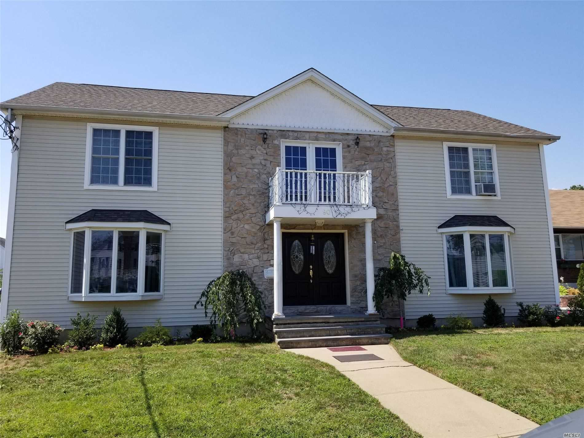 Residential For Sale in 90 Rockaway Pkwy, Valley Stream, NY ,11580