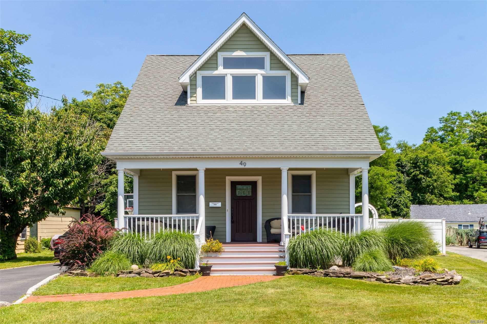 Residential For Sale in 49 Atlantic Ave, W. Sayville, NY ,11796