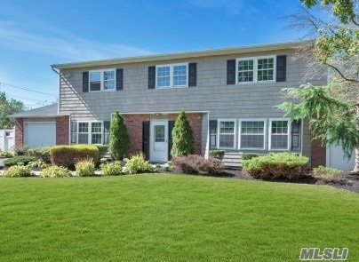Residential For Sale in 212 Mount Sinai Cora Rd, Coram, NY ,11727