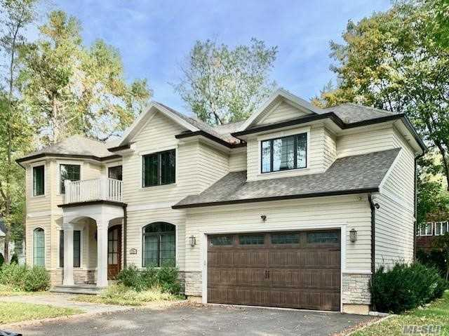 Residential For Sale in 76 Milburn Ln, East Hills, NY ,11577