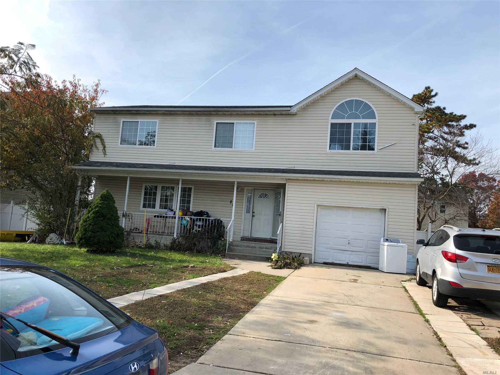 Residential For Sale in 88 24th S St, Wyandanch, NY ,11798