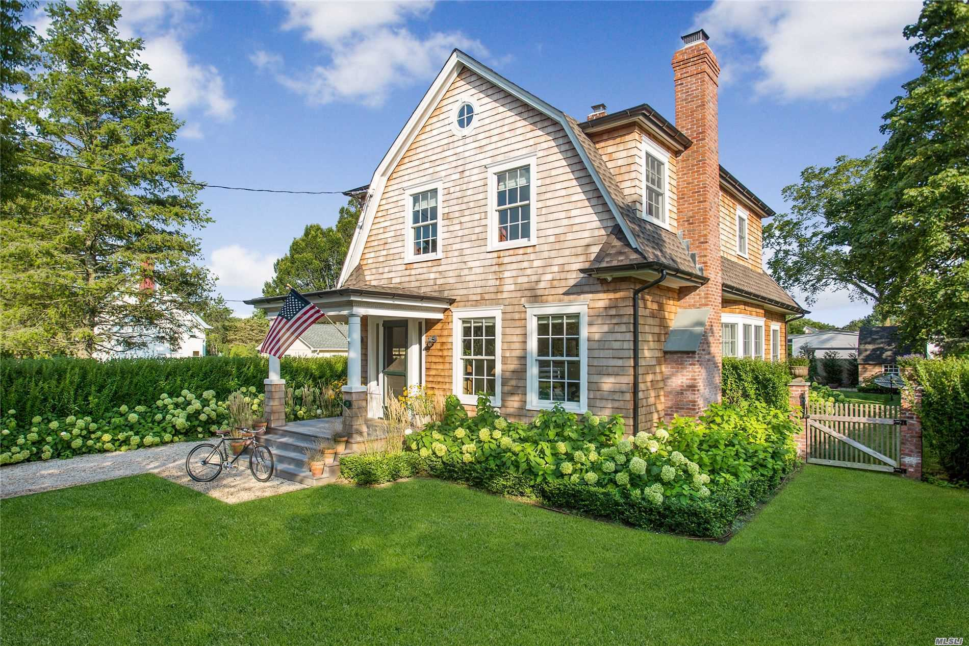 Residential For Sale in 26 Bell St, Bellport Village, NY ,11713