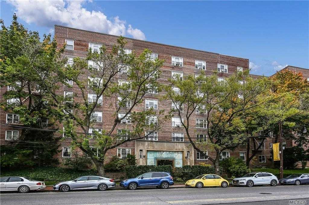 Condominium for sale in 5601 Riverdale Ave, Out Of Area Town, NY ,10471