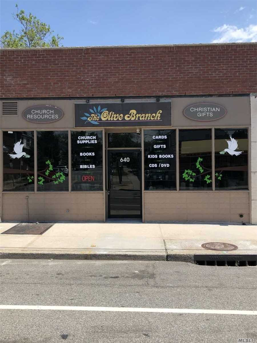 Commercial for sale in 640 Willis Ave, Williston Park, NY ,11596