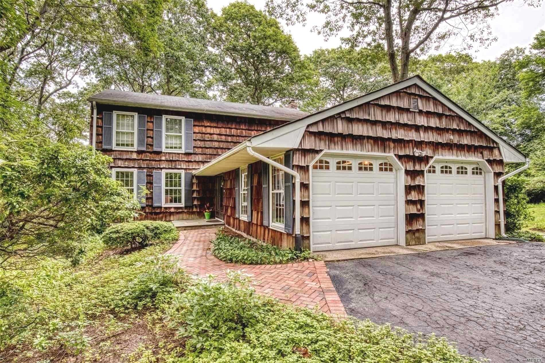 Residential For Sale in 21 Hawks Nest Rd, Stony Brook, NY ,11790