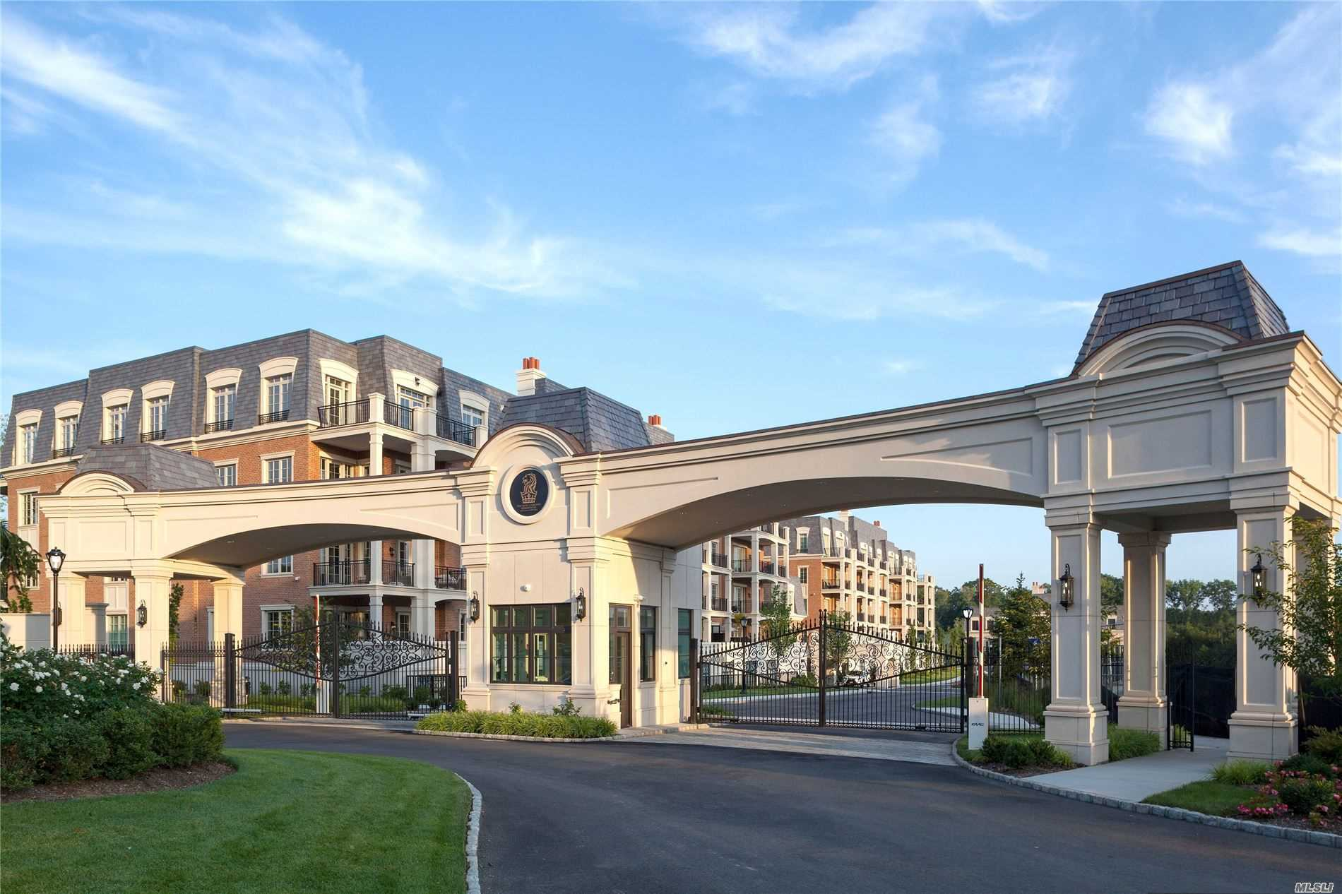 Condominium for sale in 5000 Royal Court, North Hills, NY ,11040