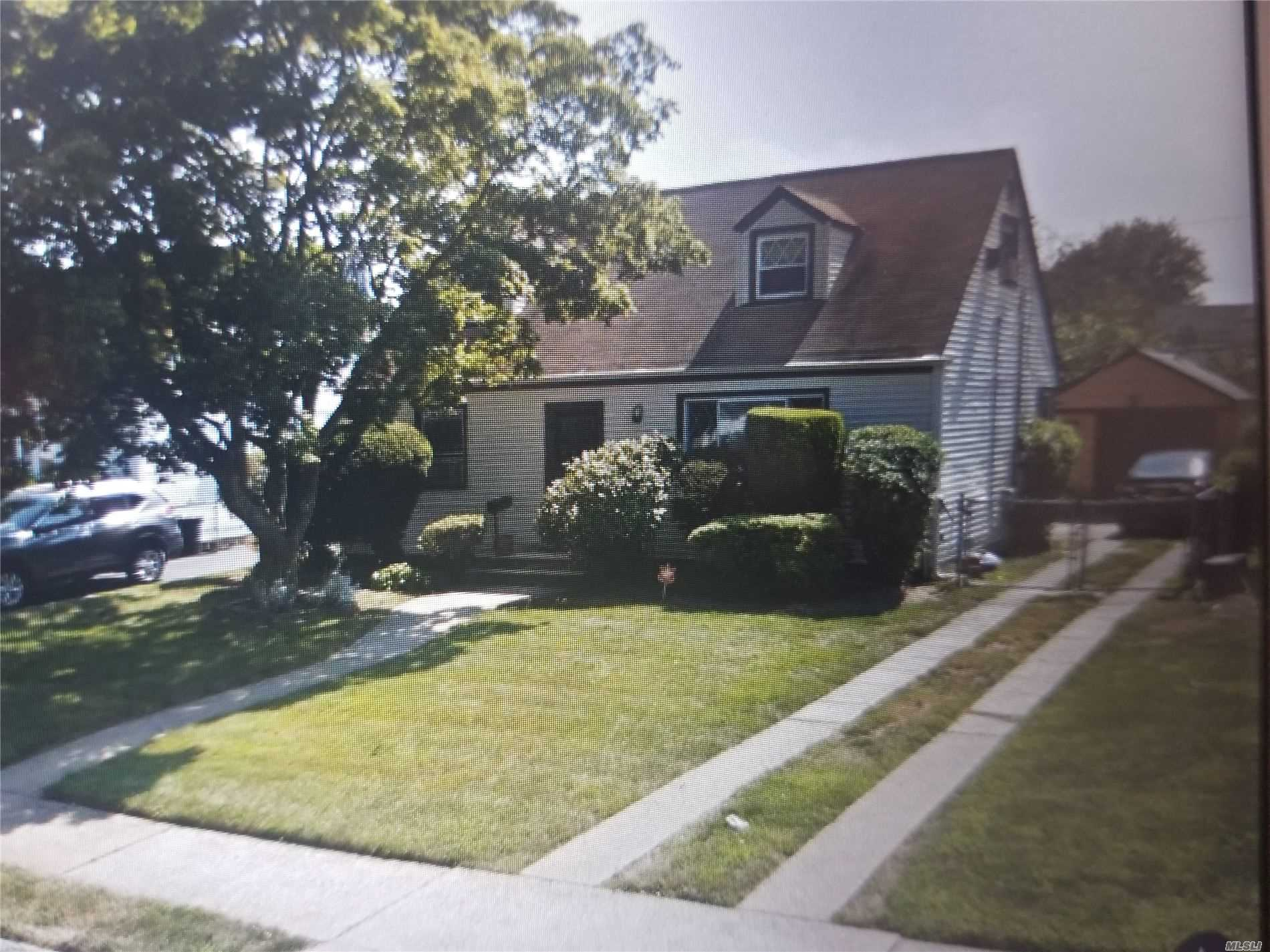 Residential For Sale in 778 Park Ave, Uniondale, NY ,11553