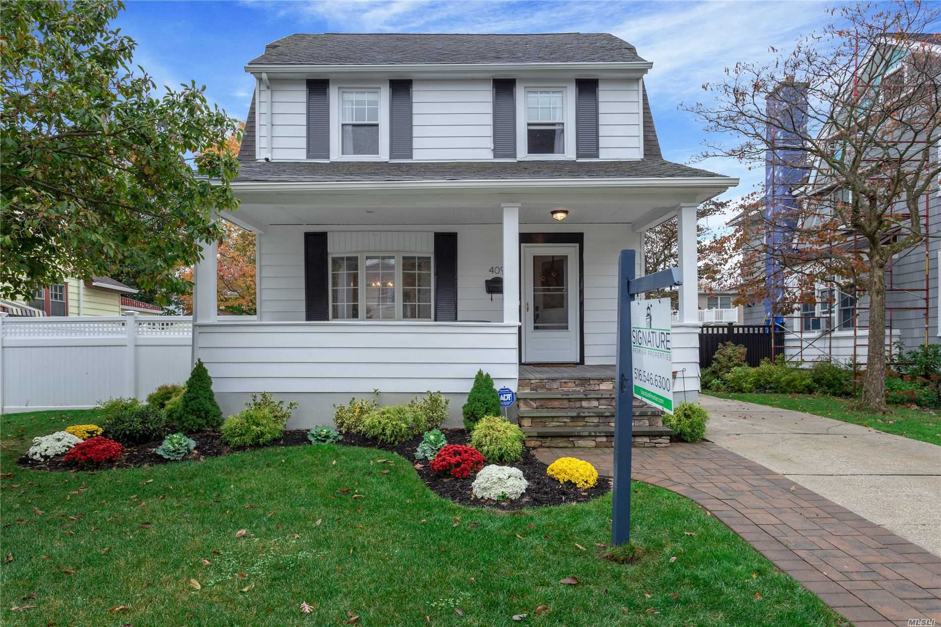 Residential For Sale in 409 Clinton St, Bellmore, NY ,11710