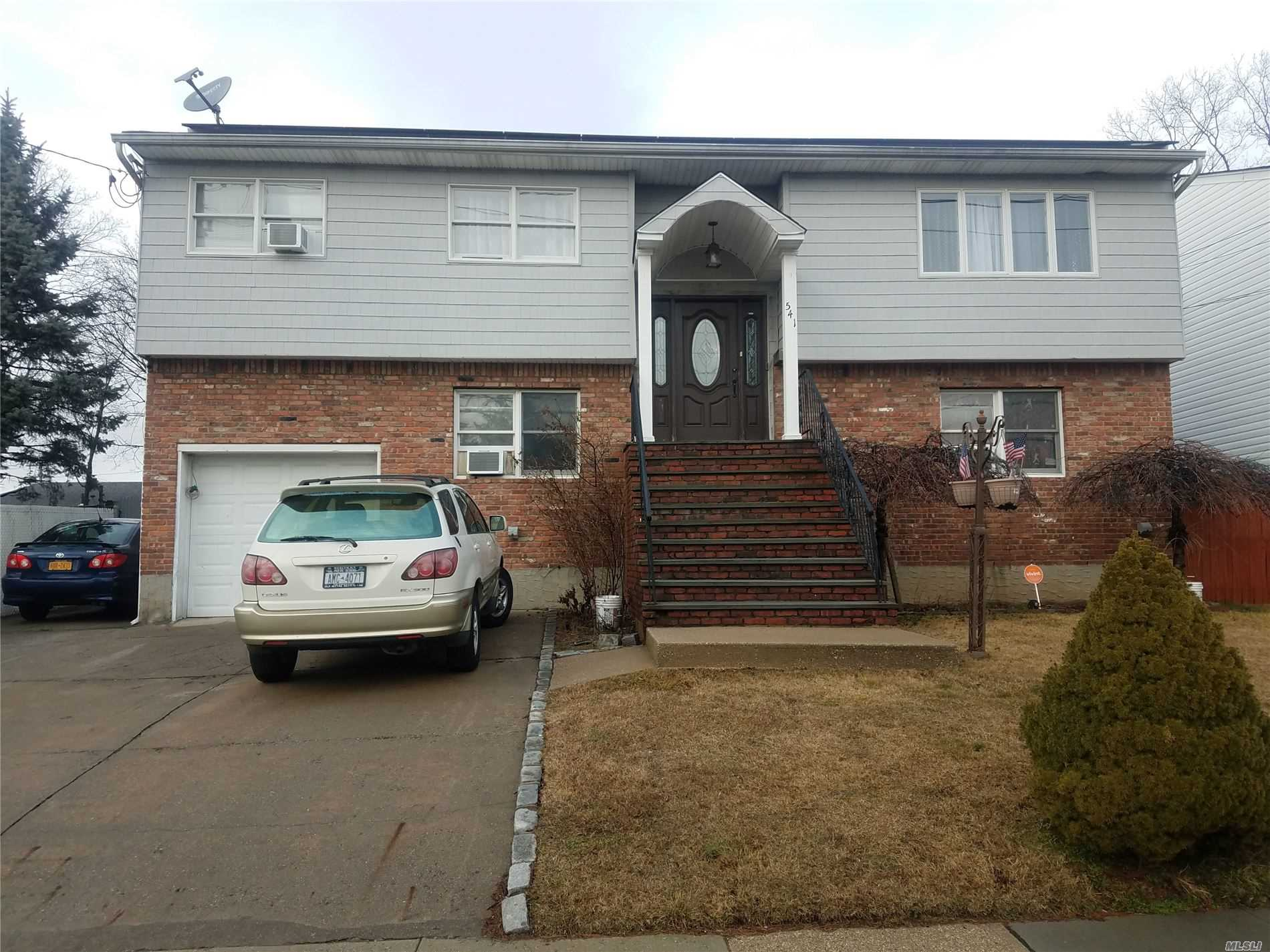 Residential For Sale in 541 Eagle Avenue, W. Hempstead, NY ,11552