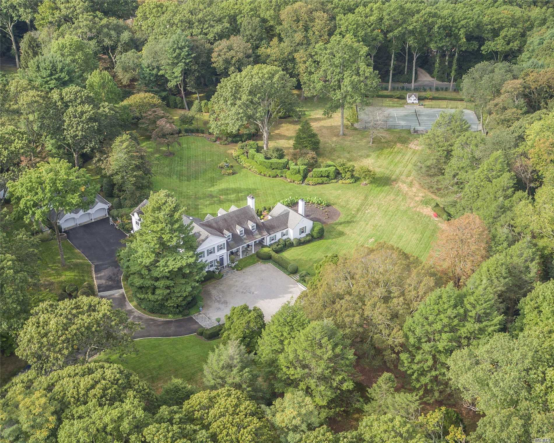 Residential For Sale in 37 Piping Rock Rd, Locust Valley, NY ,11560